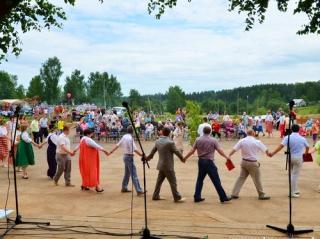 В Елгани отпраздновали Троицу! (Фоторепортаж сайта bogorodskoe43.ru)
