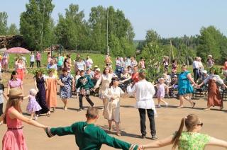 Праздник Троицы в селе Елгань (2015г, ФОТО+ВИДЕО)